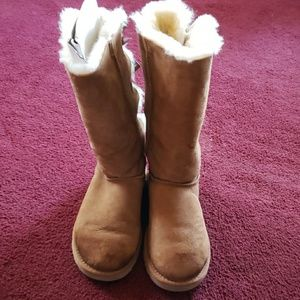 Bailey tall classic tan bow boots